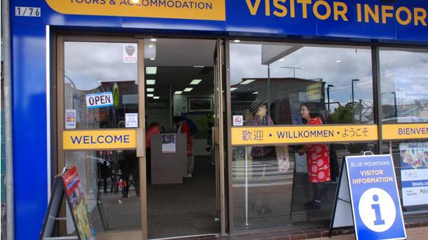 Katoomba's latest glossy tourist lair disturbingly exploits local slaves to feed dominate operators